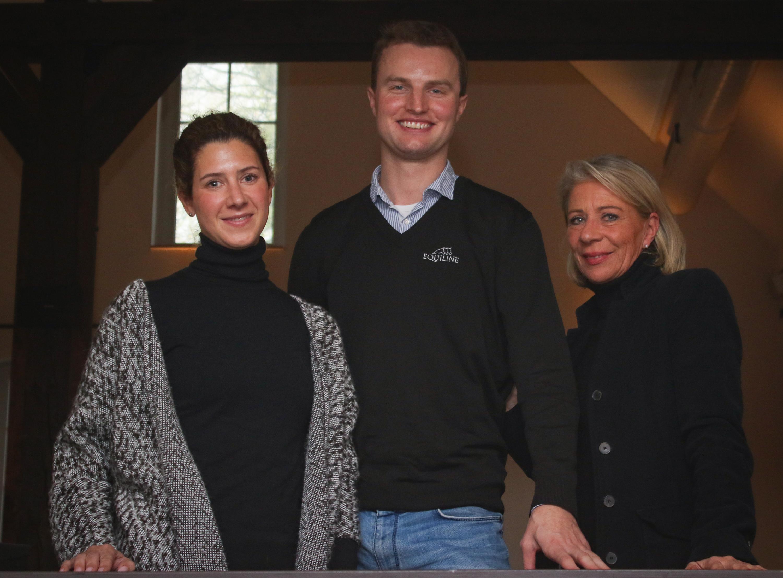 Johanna von Fircks, Nisse Lüneburg und Bettina Schockemöhle freuen sich auf die 70. VR Classics. Foto: Gottmann